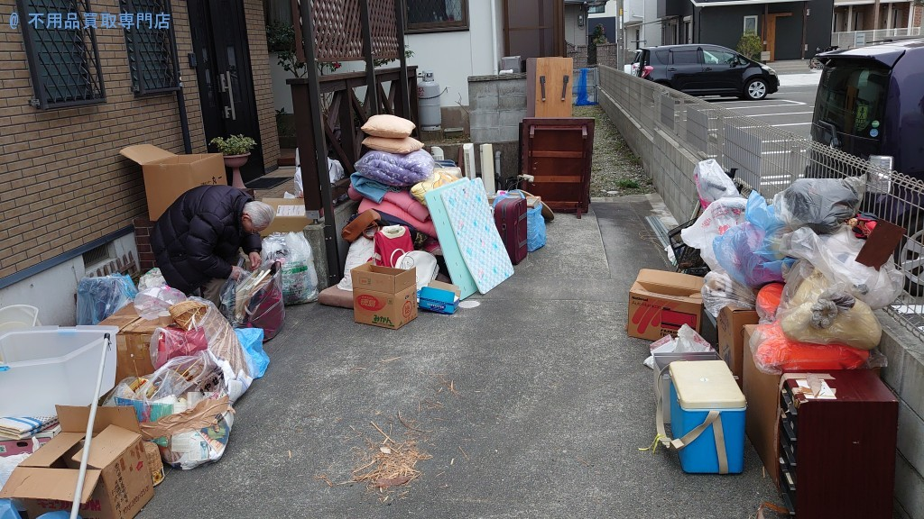 【鳴門市撫養町】机、マット、布団などの処分と回収・お客様の声